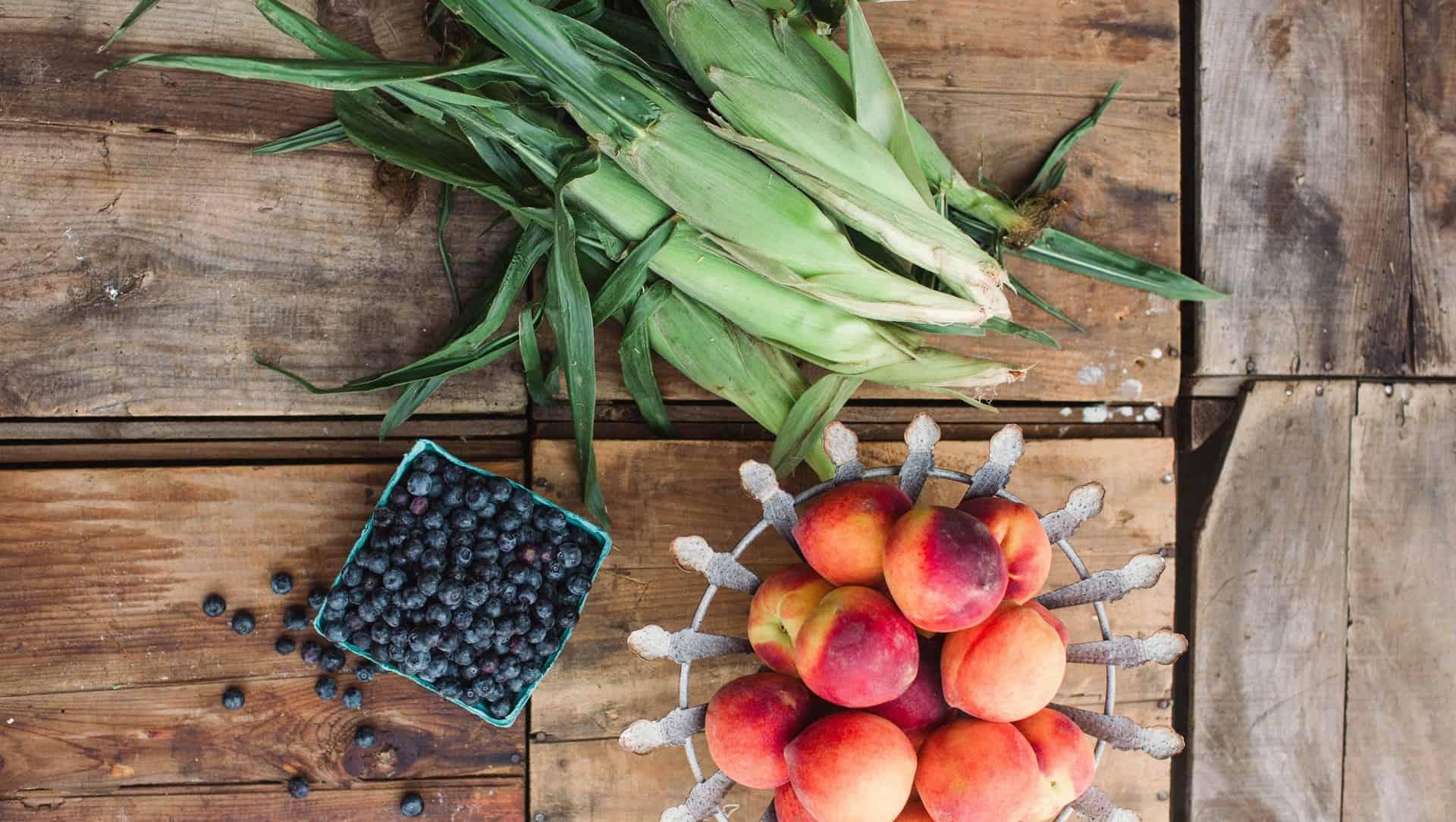 corn Bluberries peaches